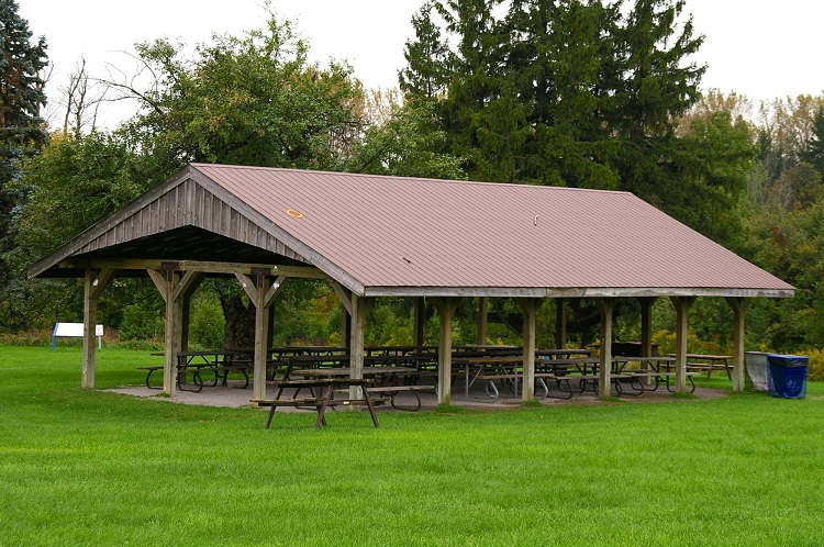 picnic shelter at bruce's mill conservation park