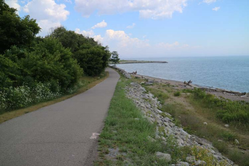 Lakeside trail in East Point Park