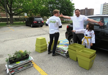 SNAP team delivers seed packets to families taking part in Harvest High-Way program