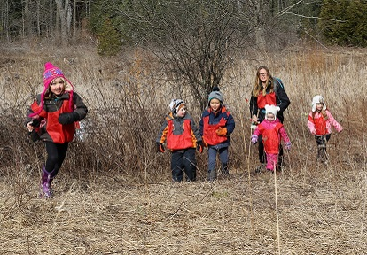 children and teacher explore winter trail at Claremont Nature Centre