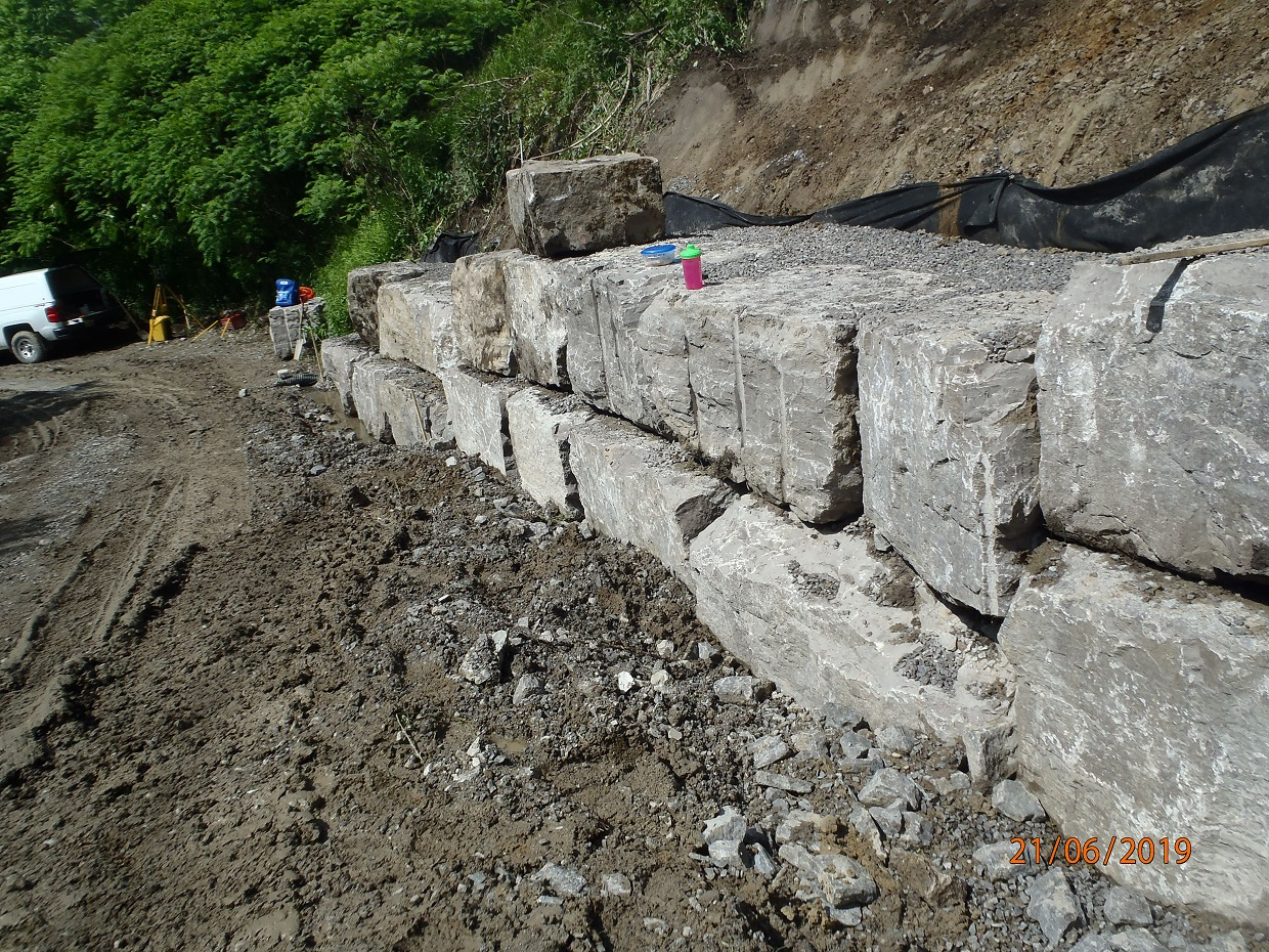 construction of armourstone wall