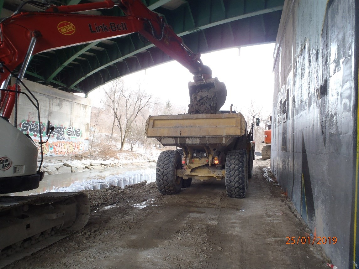East Don Trail excavation work under the Don Valley Parkway