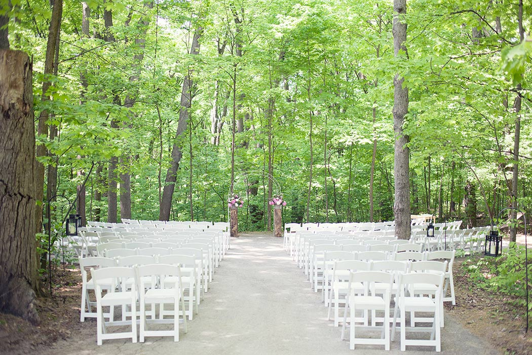 Kortright Centre offers photo permits for wedding and event photography