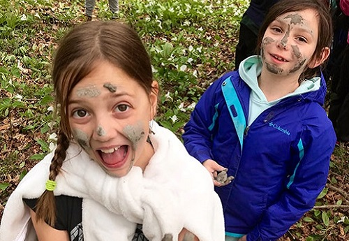 girls take part in River Song program at Claremont Nature Centre