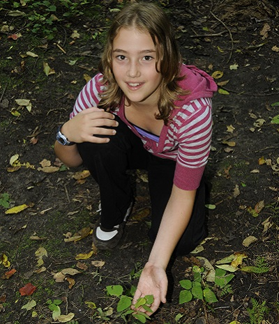 Girl participates in Riversong After Dark program